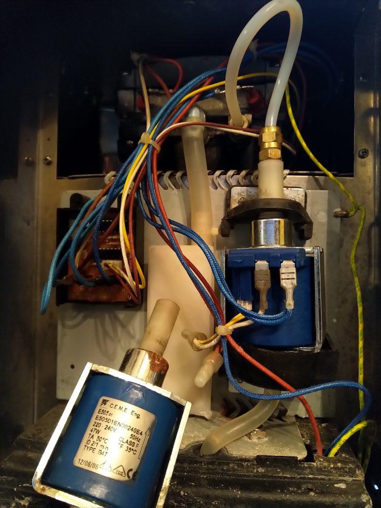 Wymiana pompy w ekspresie AEG EA 150