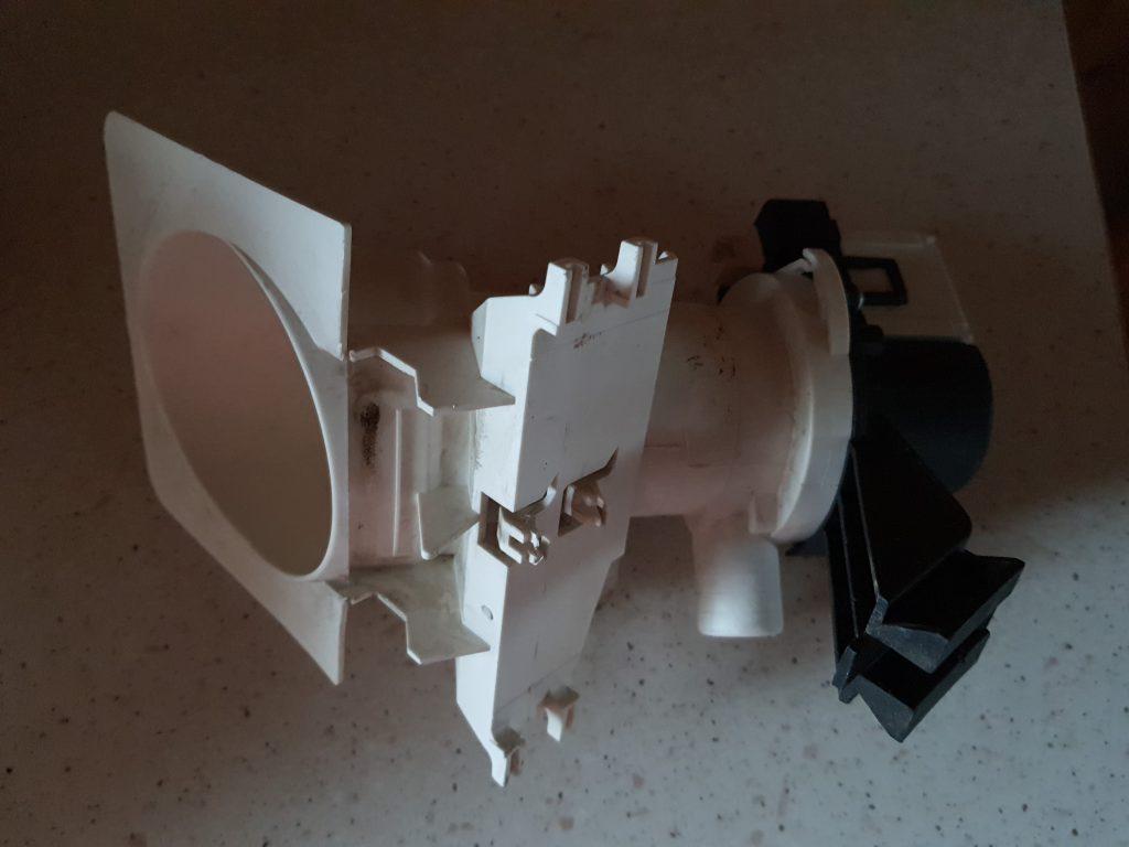 Wymiana pompy odpływu w pralce