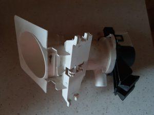Wymiana pompy odpływu w pralce - naprawiaj, nie wyrzucaj