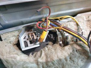 Wymiana termostatu w piekarniku - naprawiaj, nie wyrzucaj