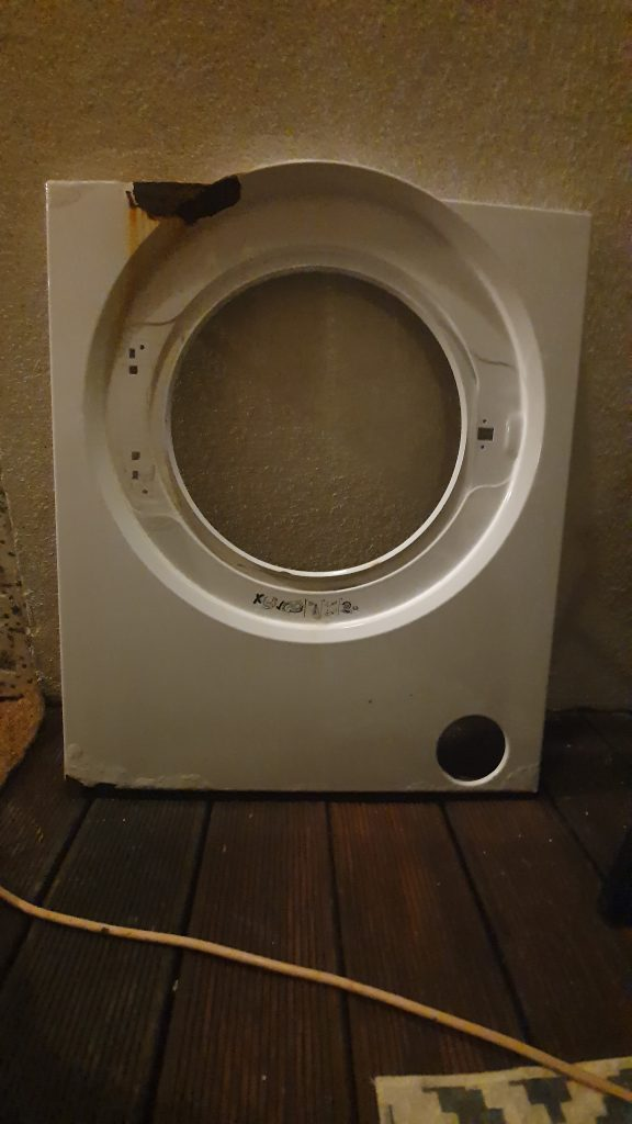 Wymiana blachy przedniej w pralce Beko