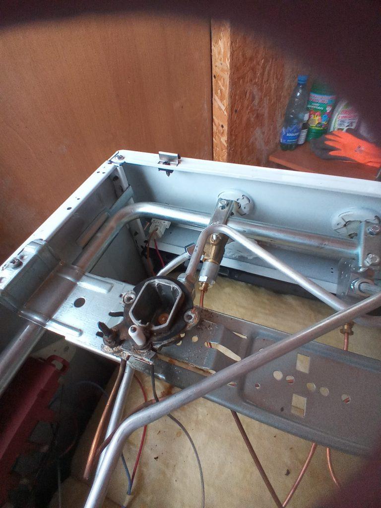 Wymiana uszkodzonego włącznika w kuchence - naprawiaj, nie wyrzucaj
